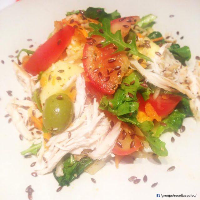 Salada de emergência com peito de frango